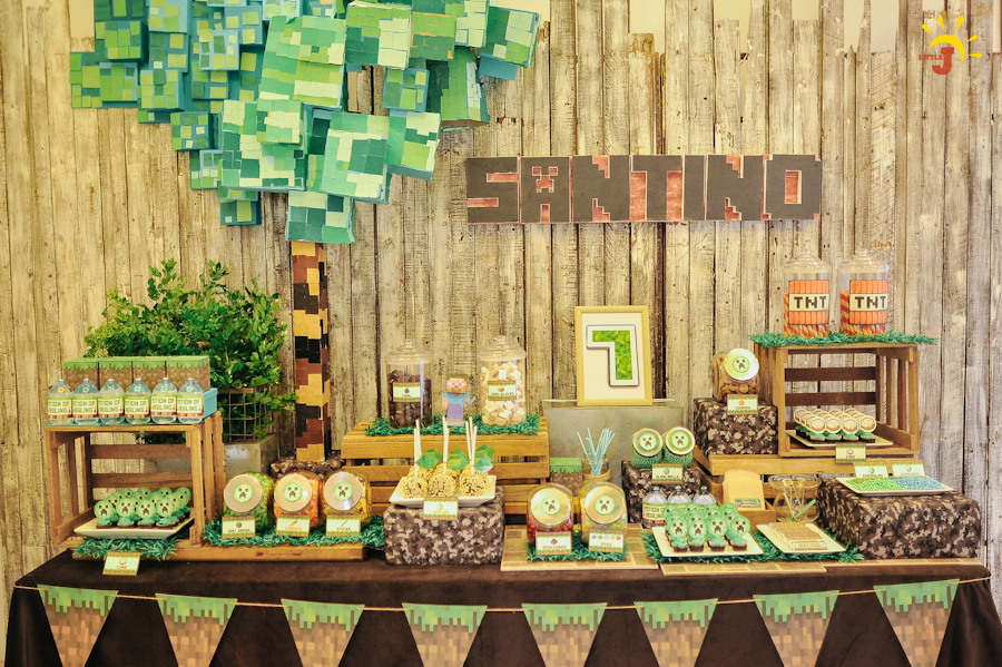 Santino s minecraft themed party 7th birthday party for Decoration ideas 7th birthday party